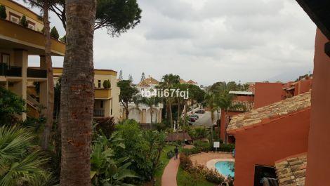 2 bedroom Apartment for sale in Elviria – R3426430