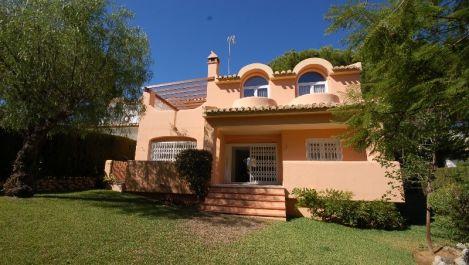 3 bedroom Villa for sale in Elviria – R3424162
