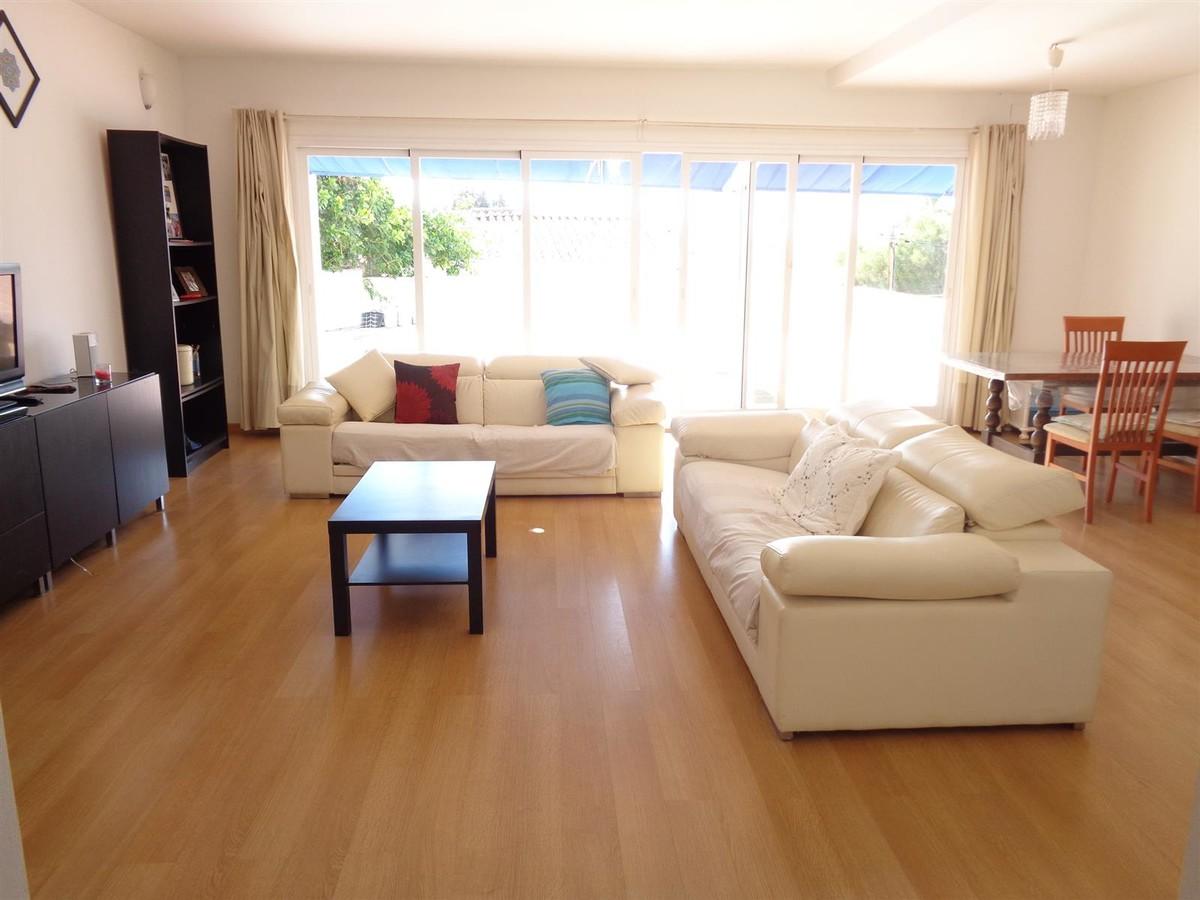 Villa de 4 dormitorios en venta en Calypso – R3537385