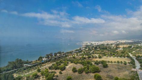 Apartamento de 2 dormitorios en venta en Marbella – R3504325 en