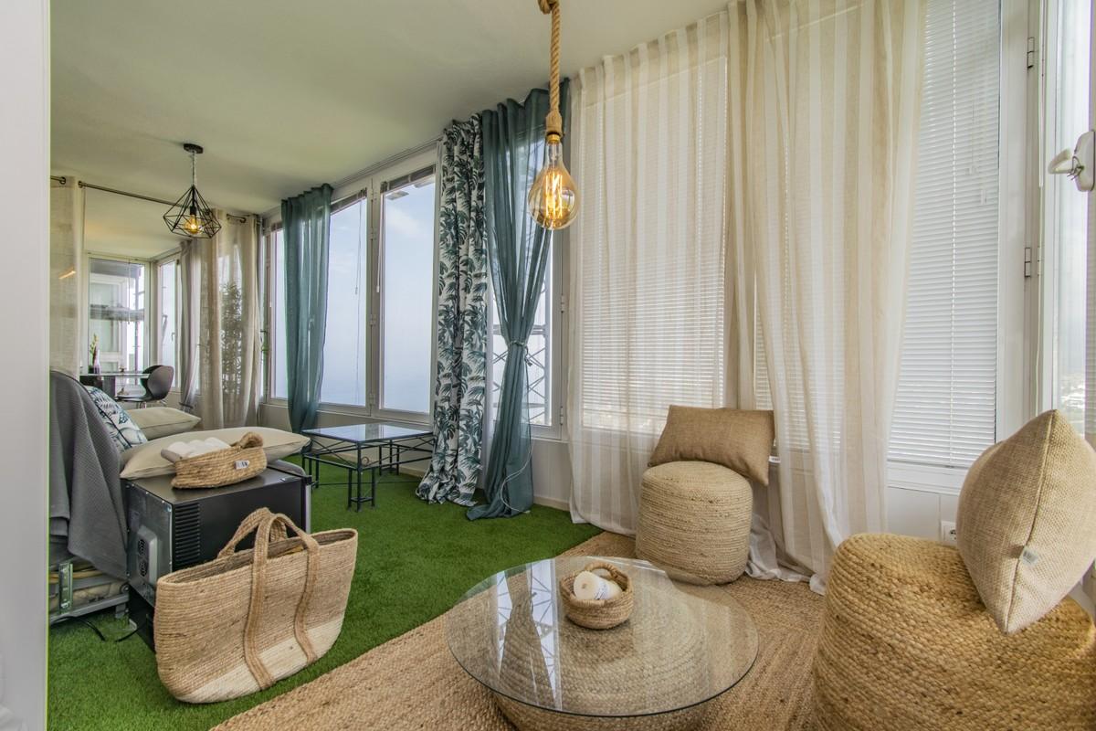 Apartamento de 2 dormitorios en venta en Marbella – R3504325