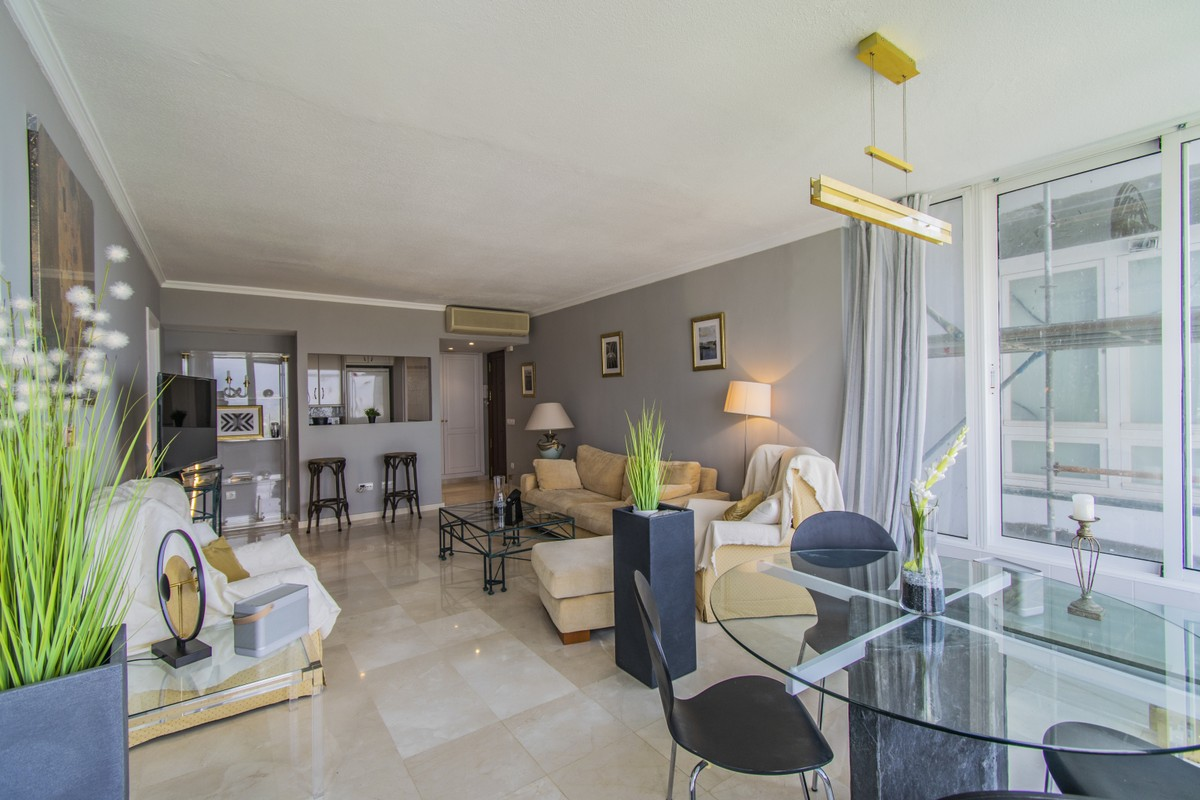 2 bedroom Apartment for sale in Marbella – R3504325