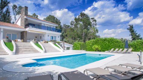 Villa de 5 dormitorios en venta en Marbella – R3467440 en