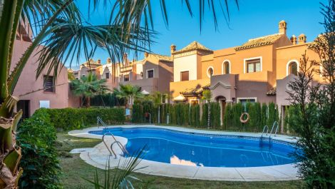 3 bedroom Townhouse for sale in Estepona – R3323935 in