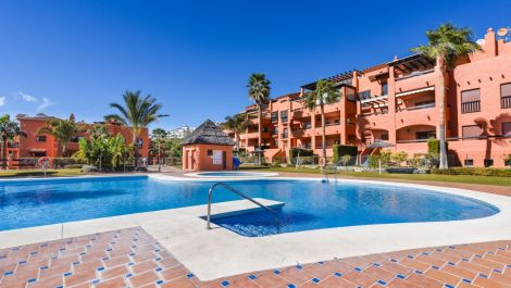 2 bedroom Penthouse for sale in Benahavis – R3351232 in