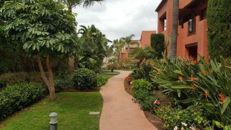 Apartamento de 2 dormitorios en venta en Marbella – R3437554