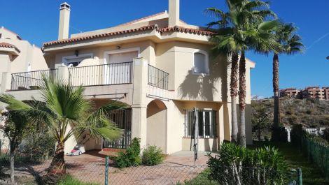 3 bedroom Semi-detached for sale in Riviera del Sol – R3549391
