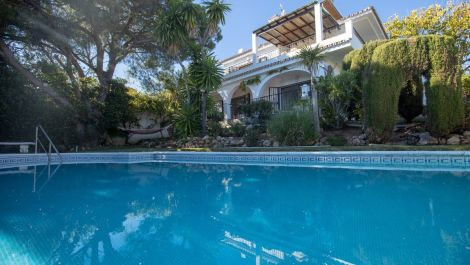 4 bedroom Villa for sale in Elviria – R3375589