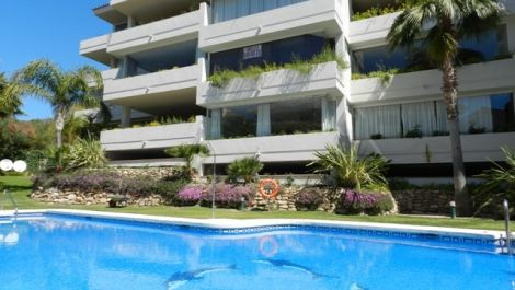 2 bedroom Apartment for sale in Elviria – R2211005 in