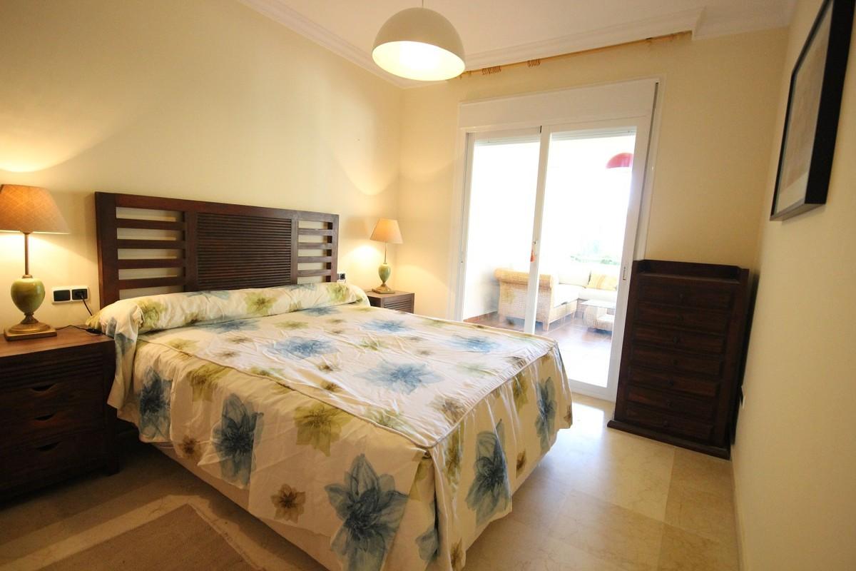 2 bedroom Apartment for sale in Elviria – R2211005