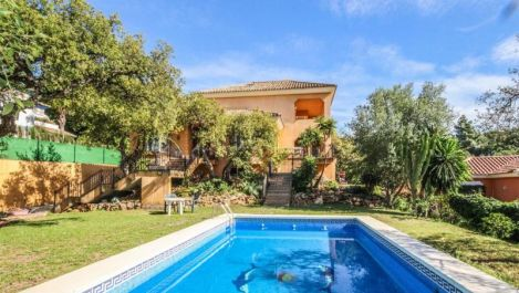 6 bedroom Villa for sale in Elviria – R2303081 in