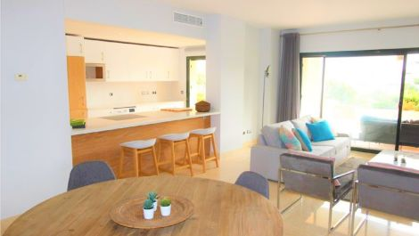2 bedroom Apartment for sale in Benahavis – R3442426