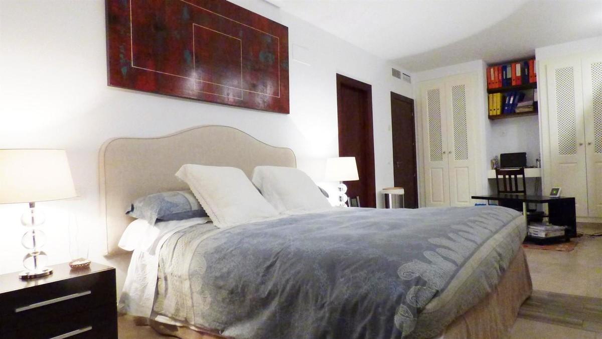 3 bedroom Penthouse for sale in Altos de los Monteros – R3072328