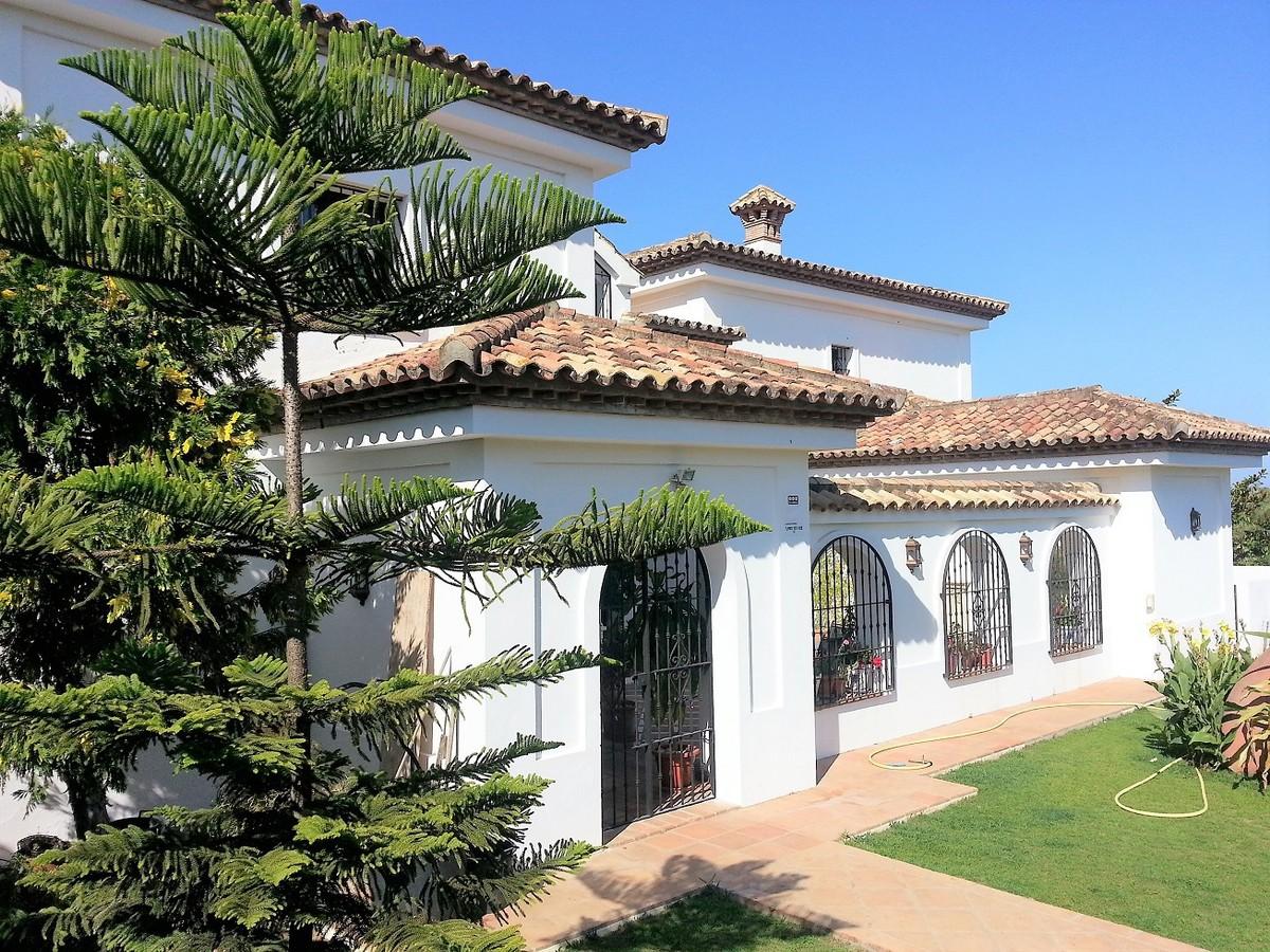 Villa de 5 dormitorios en venta en Sotogrande – R2961332
