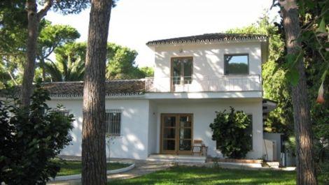 3 bedroom Villa for sale in Nagüeles in