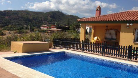 3 bedroom Villa for sale in Estepona – R3176419
