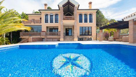 4 bedroom Villa for sale in Altos de los Monteros – R3412759 in