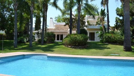 6 bedroom Villa for sale in Río Real – R3106712 in