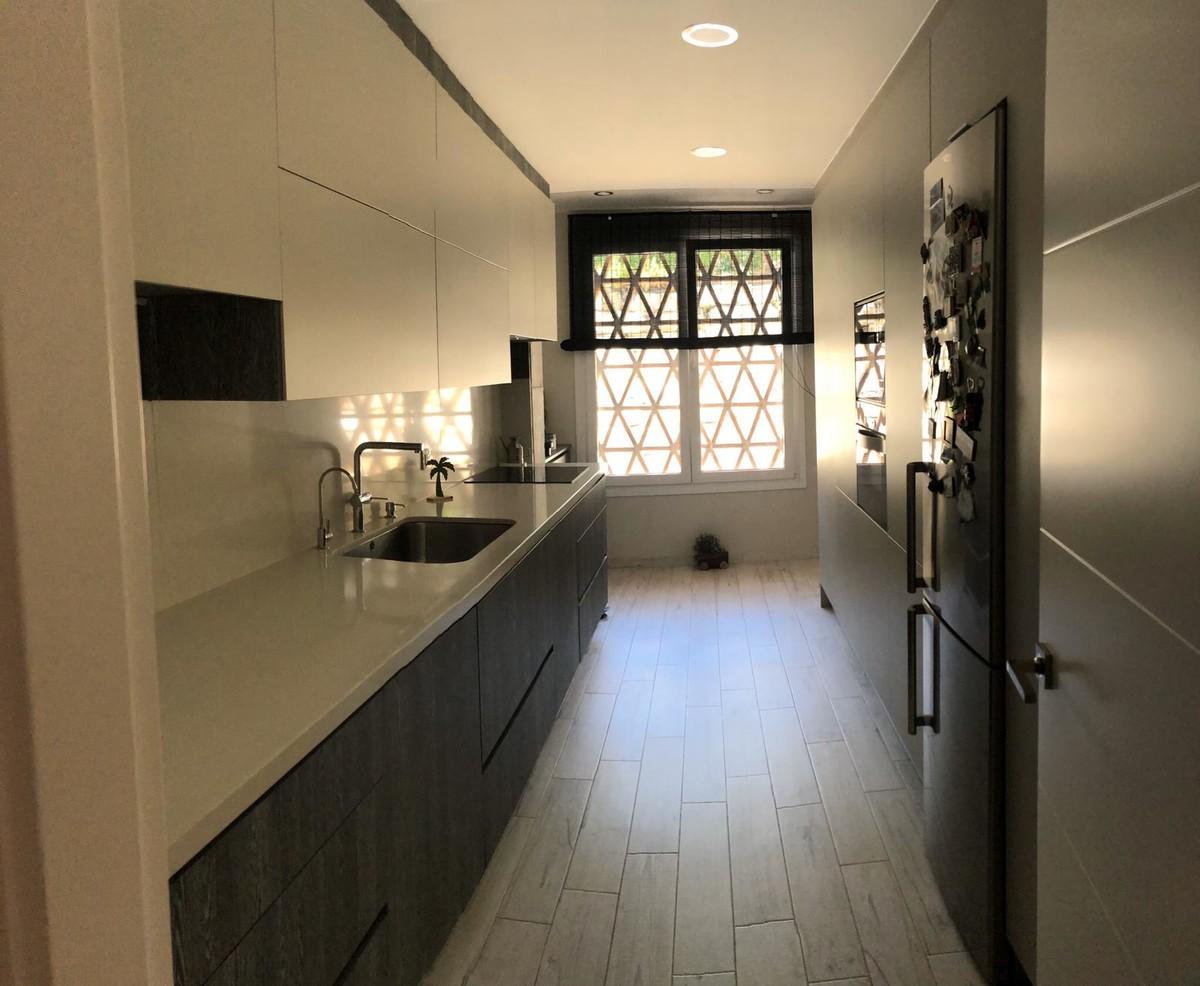 Apartamento de 3 dormitorios en venta en Selwo – R3521647