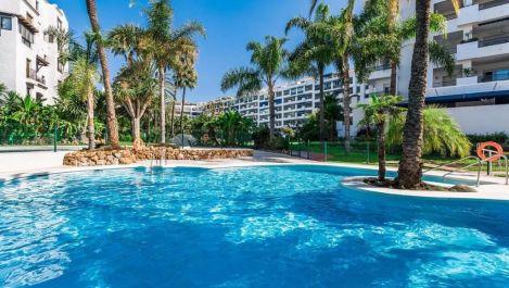 Apartamento de 2 dormitorios en venta en Marbella – R3325168