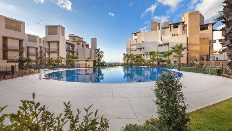 Apartamento de 1 dormitorio en venta en Estepona – R3250408