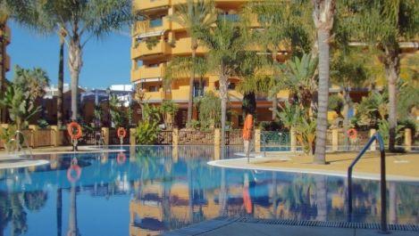 Apartamento de 2 dormitorios en venta en San Pedro de Alcántara – R3523408 en