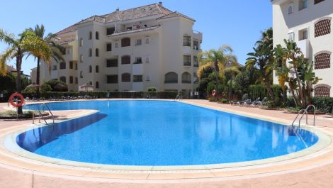 3 bedroom Apartment for sale in Elviria – R2925941