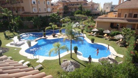 Atico de 2 dormitorios en venta en Nueva Andalucía – R2816435