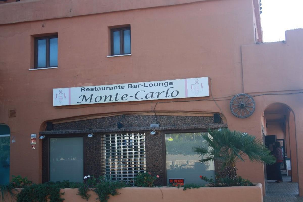 Local Comercial en venta en Estepona – R2120114