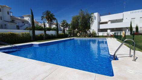 Apartamento de 3 dormitorios en venta en Nueva Andalucía – R3298669