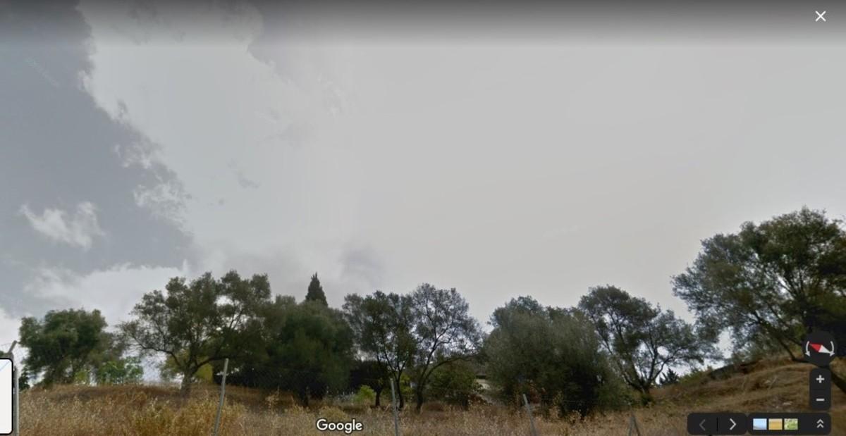 Plot for sale in Elviria – R3470410