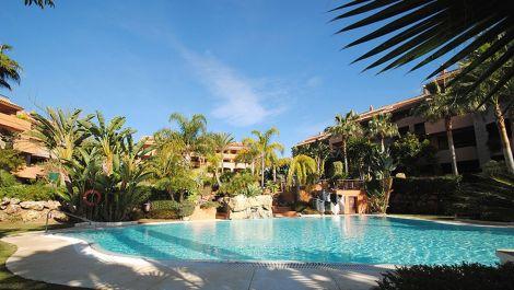 3 bedroom Penthouse for sale in Bahía de Marbella – R2783129 in