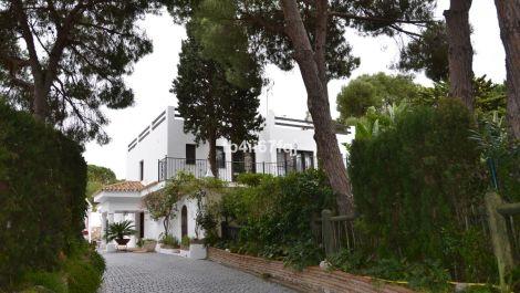 Villa de 6 dormitorios en venta en Hacienda Las Chapas – R3374710 en