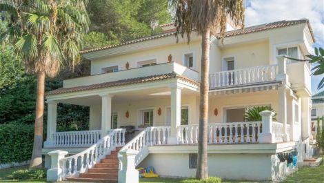 Villa de 5 dormitorios en venta en Puerto Banús – R3424501 in