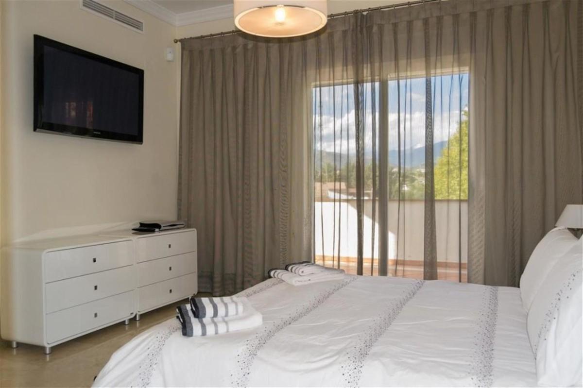 5 bedroom Villa for sale in Puerto Banús – R3424501