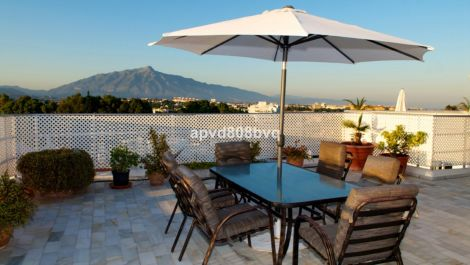 4 bedroom Penthouse for sale in Guadalmina Alta – R3473968