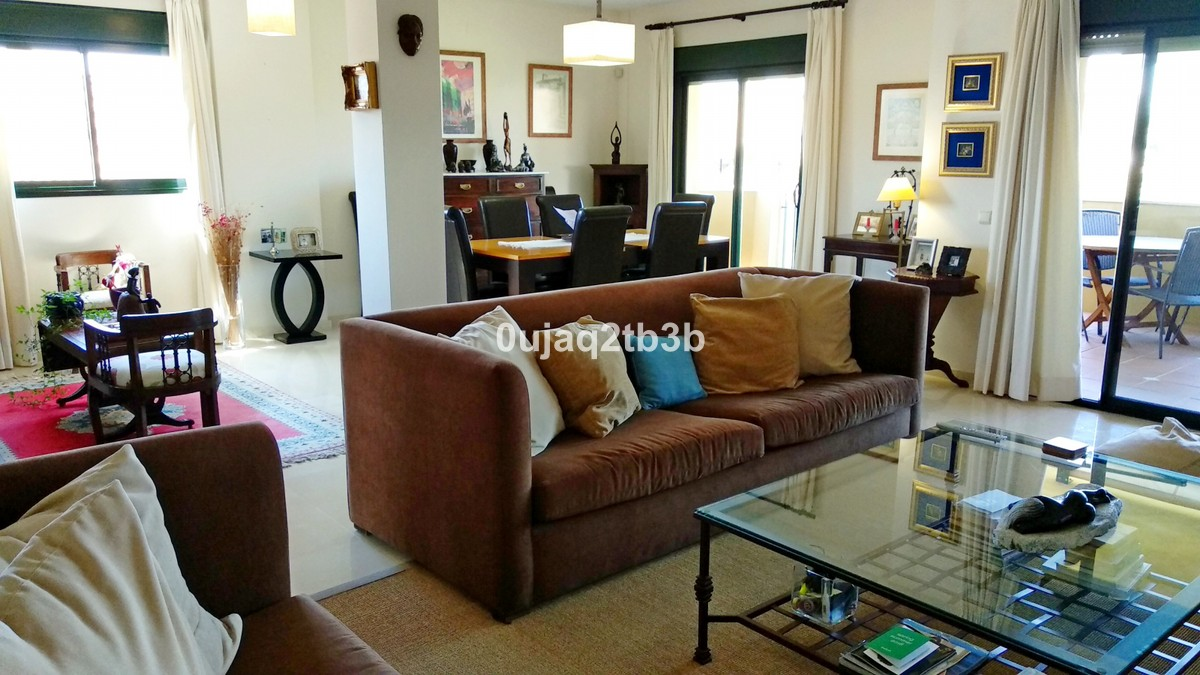 3 bedroom Penthouse for sale in Guadalmina Alta – R3383899
