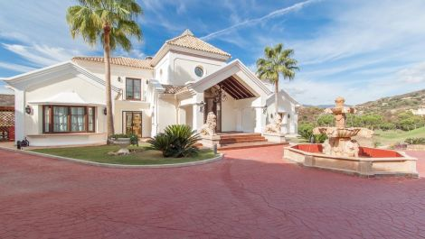 7 bedroom Villa for sale in Benahavis – R2538965