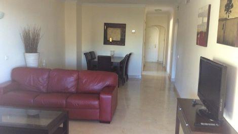 Apartamento de 3 dormitorios en venta en Elviria – R2833334 en
