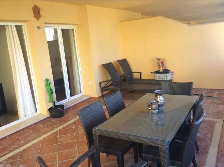 3 bedroom Apartment for sale in Elviria – R2833334