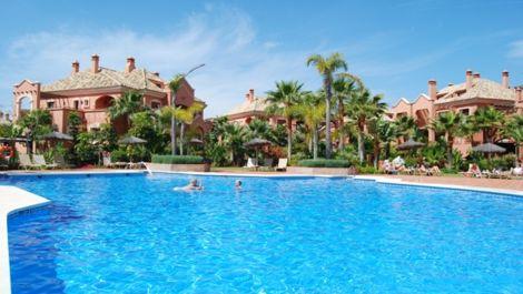 Apartamento de 3 dormitorios en venta en Nueva Andalucía – R2082309