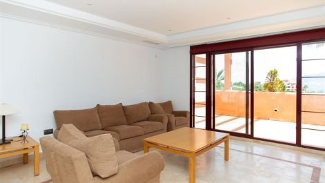3 bedroom Penthouse for sale in La Mairena – R3416239 in