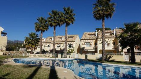 Adosado de 4 dormitorios en venta en El Rosario – R3203092 en