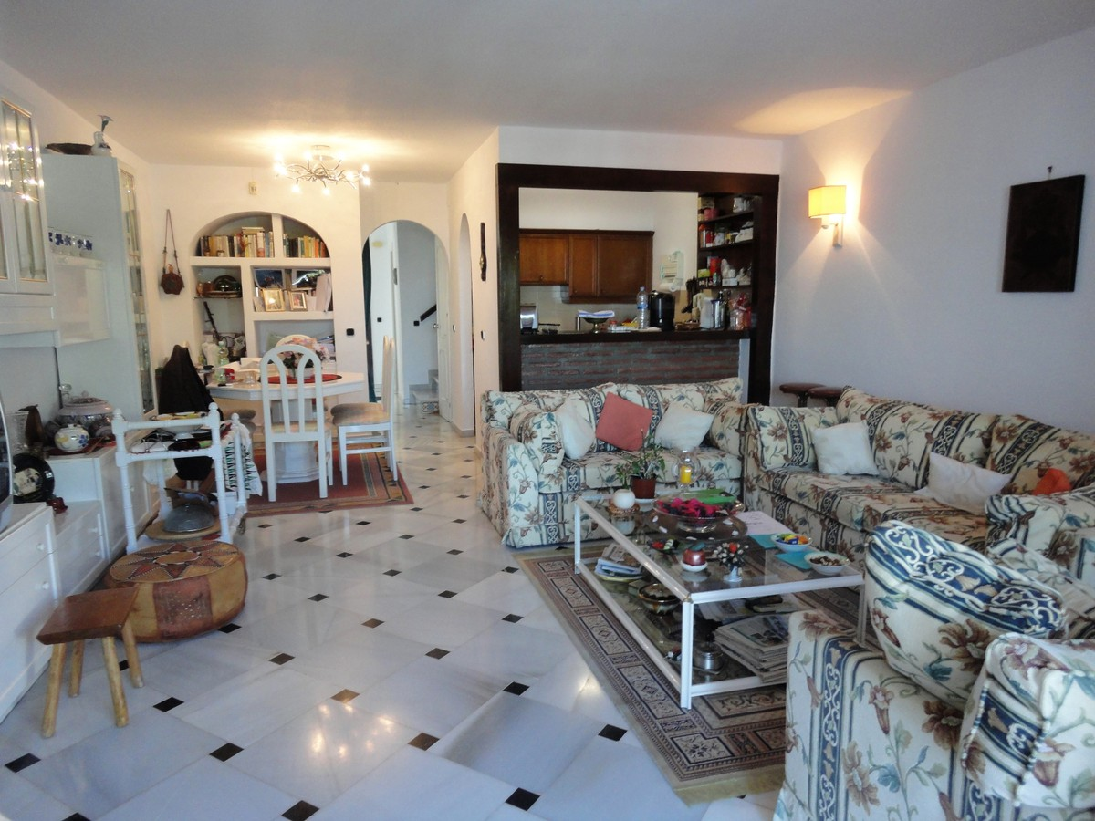 4 bedroom Townhouse for sale in Calahonda – R2958833