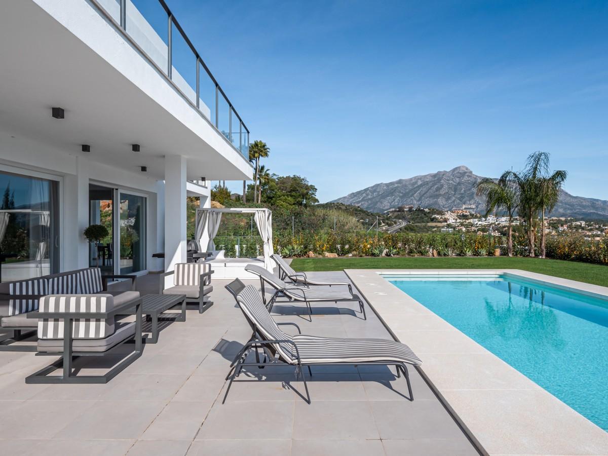 Villa de 4 dormitorios en venta en La Quinta – R3539722