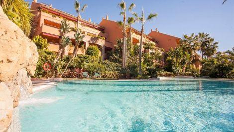 3 bedroom Penthouse for sale in Bahía de Marbella – R130029 in