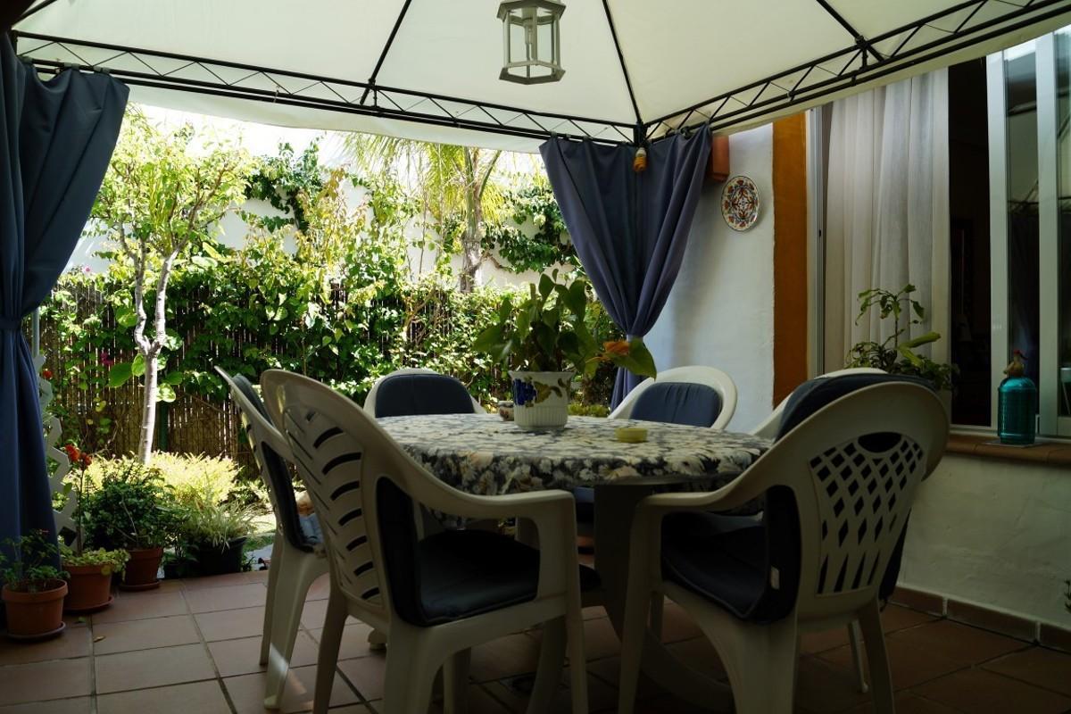 Adosado de 3 dormitorios en venta en Selwo – R2859077