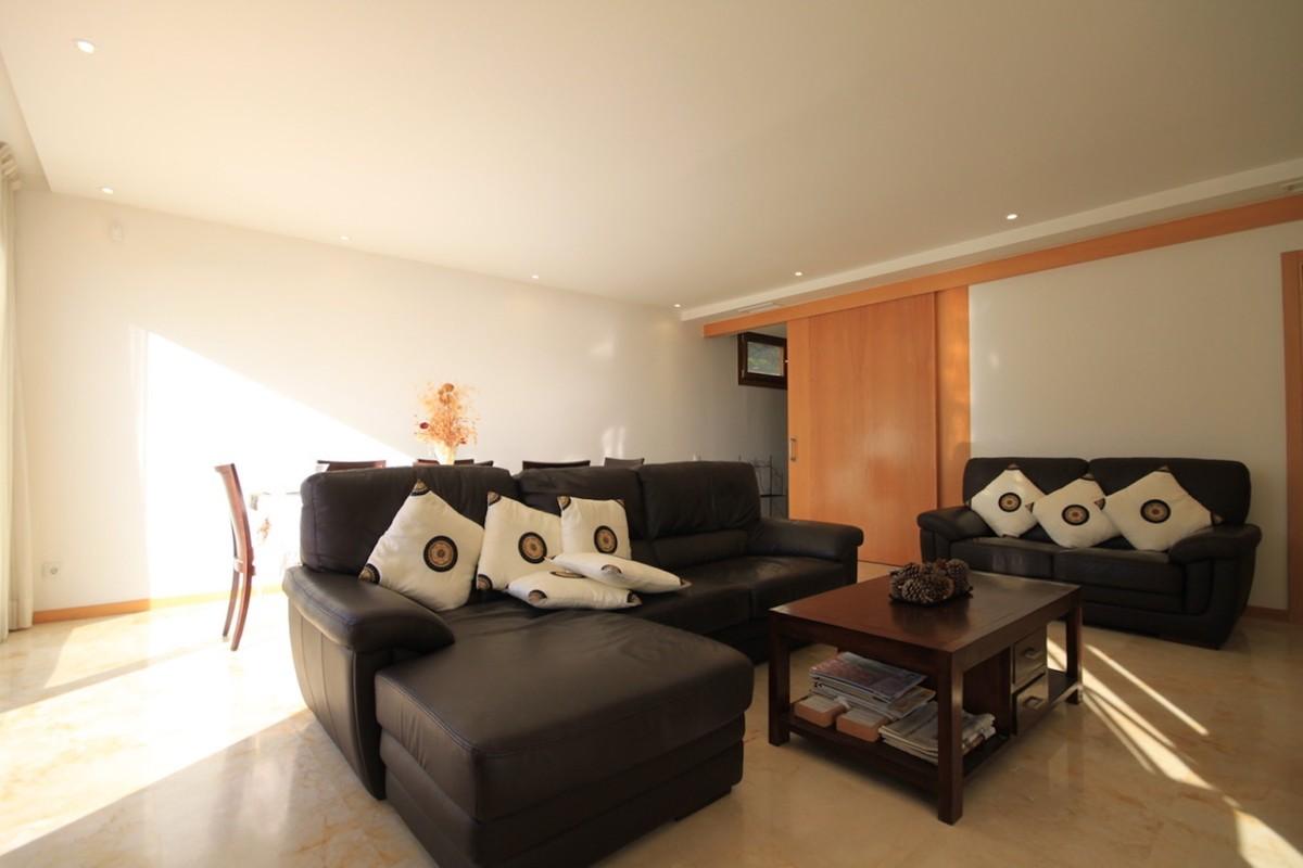 3 bedroom Apartment for sale in Altos de los Monteros – R3610937