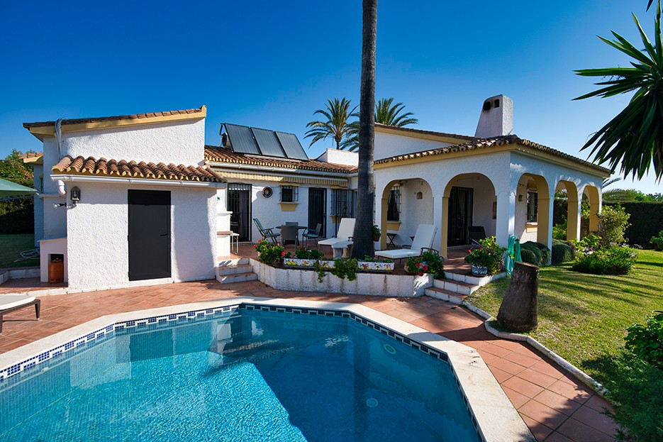 4 bedroom Villa for sale in Carib Playa – R3606887