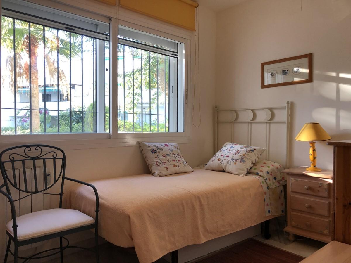 Apartamento de 4 dormitorios en venta en Marbella – R3589624